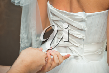 Process of clothing of the bride.