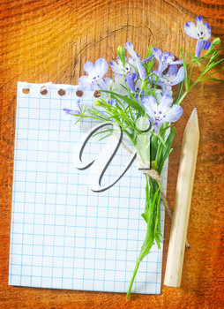 note and flowers